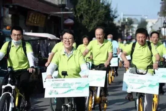 绿色出行是解决交通拥堵、大气污染等城市病的